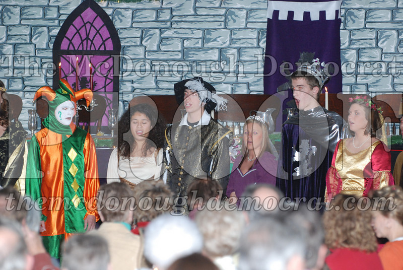Avon Madrigal Singers 12-14-08 015