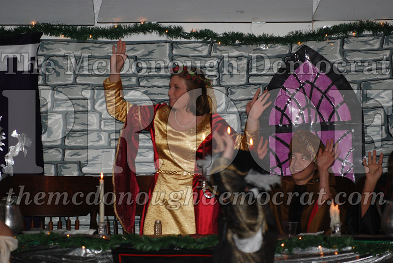 Avon Madrigal Singers 12-14-08 043