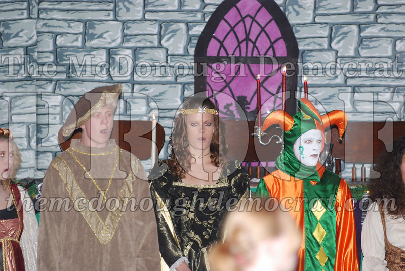 Avon Madrigal Singers 12-14-08 019