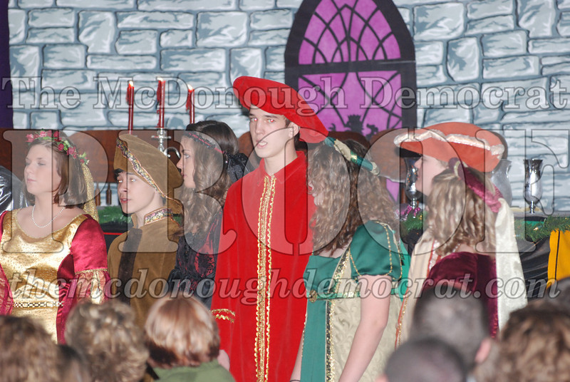 Avon Madrigal Singers 12-14-08 014