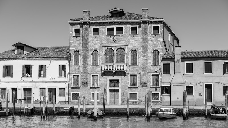 28/45 Convento dei Santi Teresa e Giuseppe, Fondamenta Sebastiano Santi, Murano.