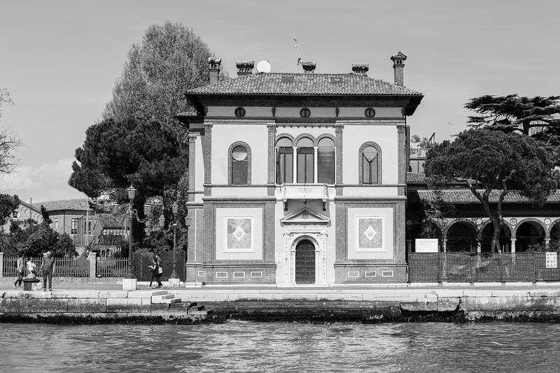 44/45 Casa Canonica (peintre italien et sénateur de Venise), Riva dei sette Martiri.