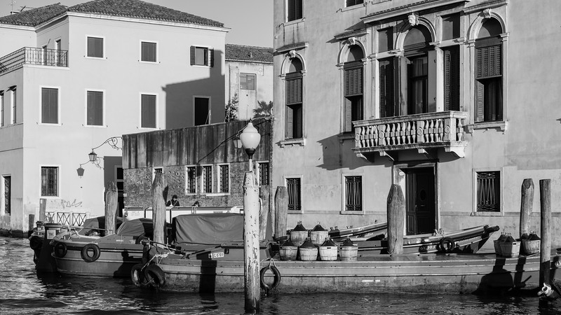 34/45 Ravitaillement au 1289 Fondamenta Riva di Biasio.