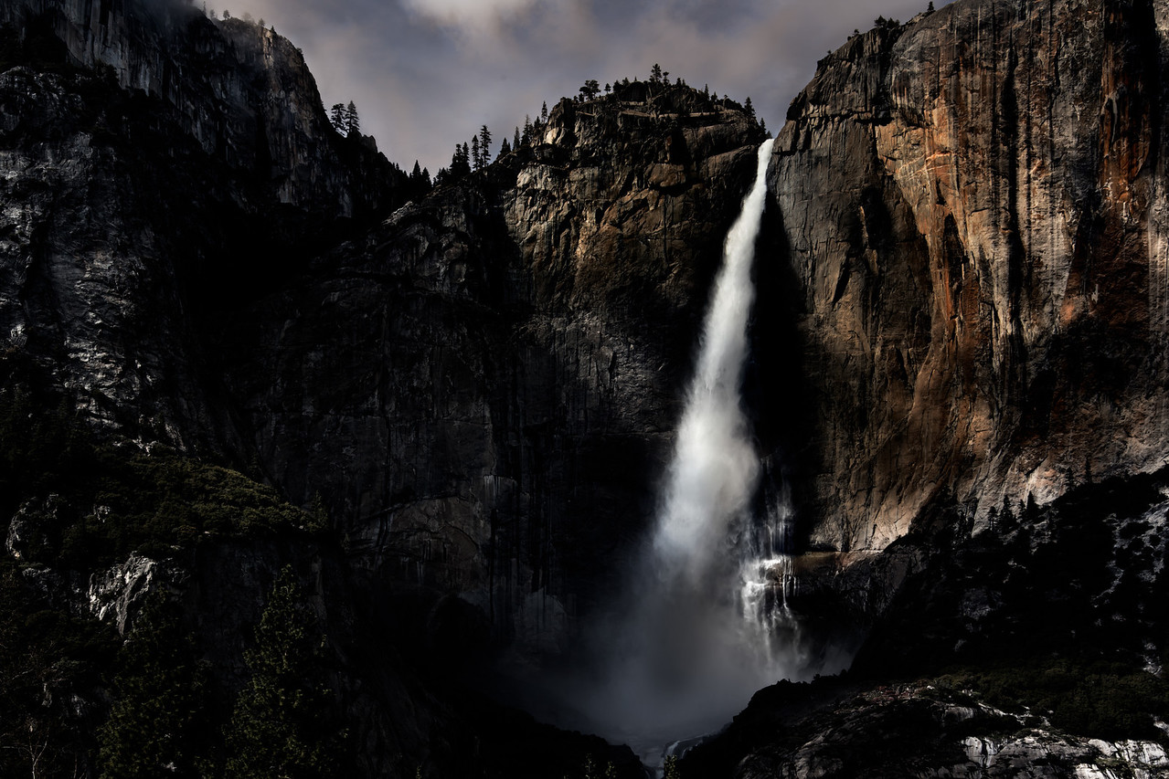 "Yosemite Spring Falls - Augen 2013<br> <a href=""http://yourshot.nationalgeographic.com/daily-dozen/2013-06-11/"">Exhibited in National Geographic Daily Dozen June 11 2013</a>"