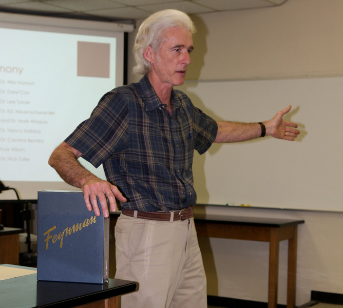 Dr. Neuenschwander expounds on the qualities found in exceptional physics majors.