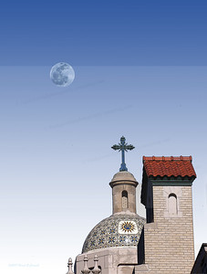 Daylight full moon over Cathedral