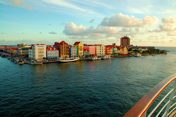 Cruising Curacao
