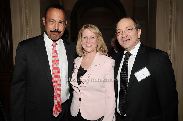 Ted Wells, Nancy Abell, Les Abell<br /> photo by Rob Rich © 2010 robwayne1@aol.com 516-676-3939