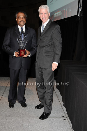 Hinton Lucas (accepting for Thomas Sager), Stephen Lincoln<br /> photo by Rob Rich © 2010 robwayne1@aol.com 516-676-3939