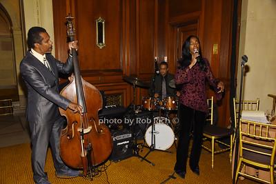 Jazz entertainment photo by Rob Rich/SocietyAllure.com © 2016 robwayne1@aol.com 516-676-3939