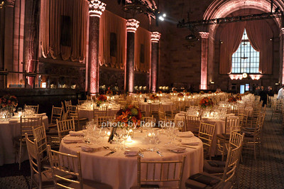 atmosphere @ Cipriani 42nd. photo by Rob Rich/SocietyAllure.com © 2011 robwayne1@aol.com 516-676-3939