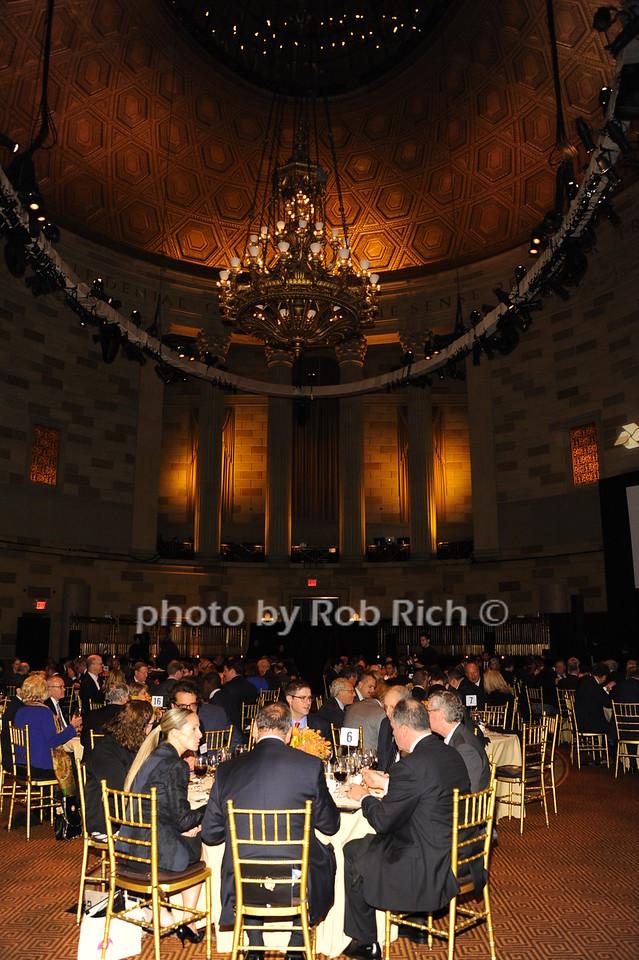 atmosphere photo by Rob Rich/SocietyAllure.com © 2016 robwayne1@aol.com 516-676-3939