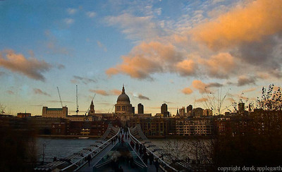 St. Paul's Cathredral from the Tate Modern Gallery,  LOndon, UK.