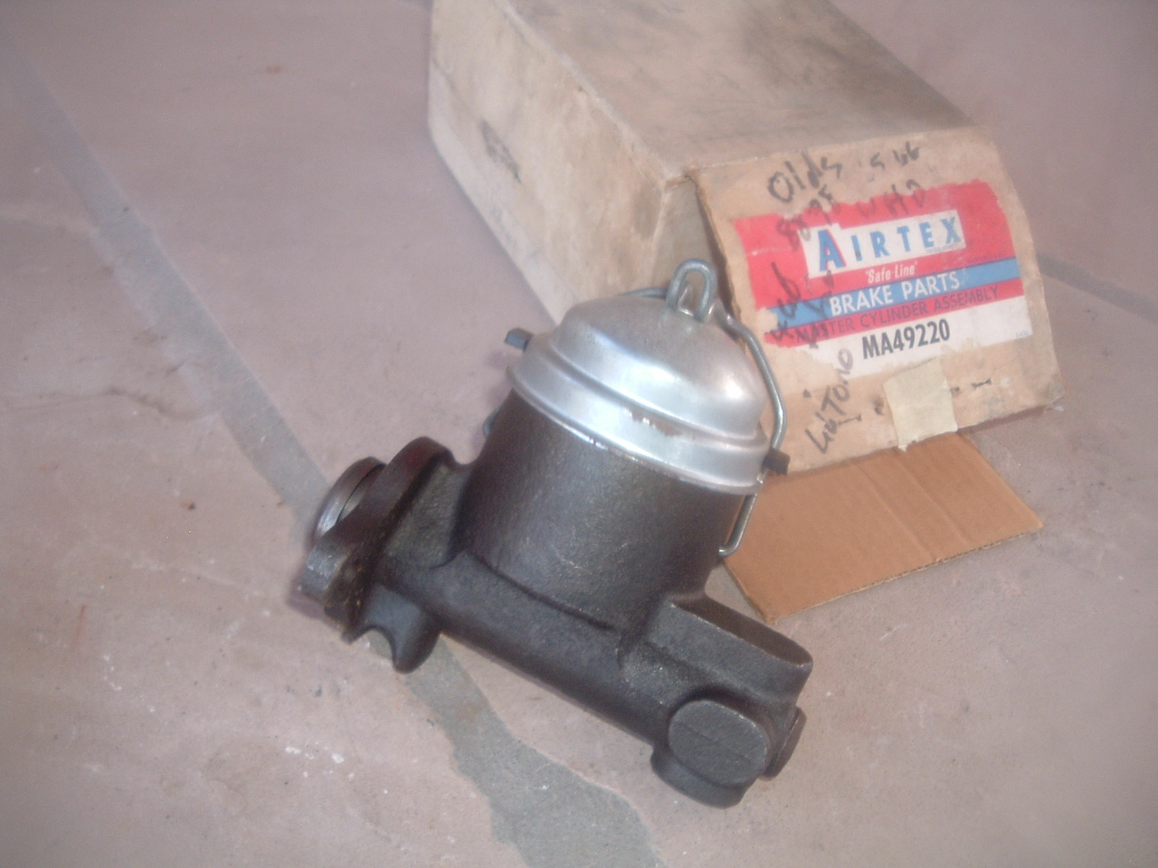 Fits Oldsmobile Toronado 1991-1992 Brake Master Cylinder; Brake Master Cylinde