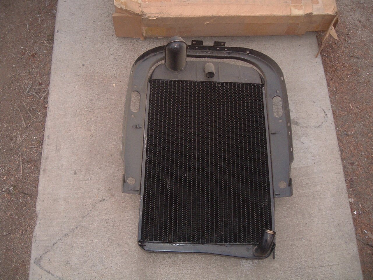 1934 1935 chevrolet radiator nos gm 3106480 (z 3106480)