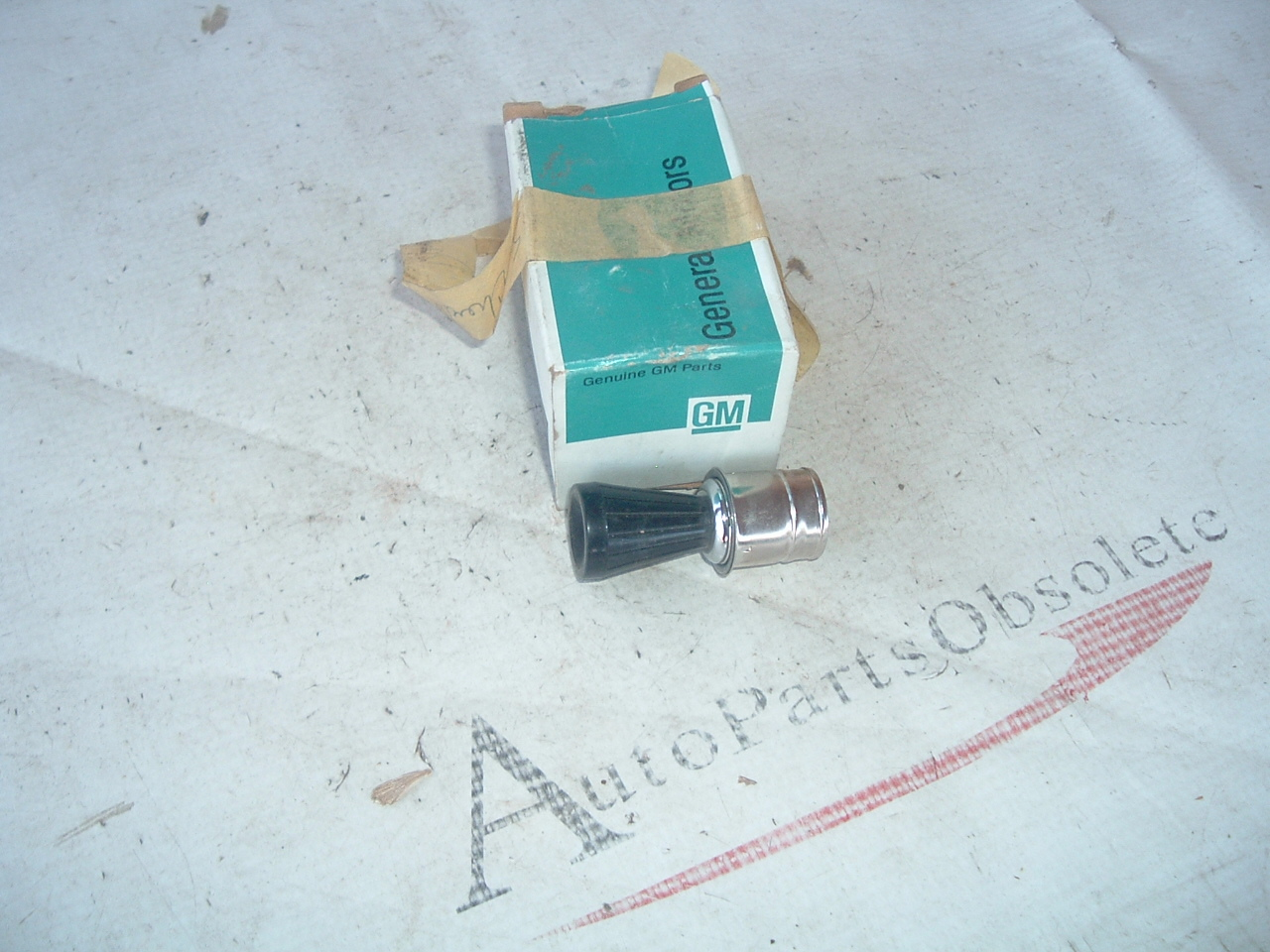 View Product1965 impala corvette cigar lighter nos gm # 3861472 (z 3861472)