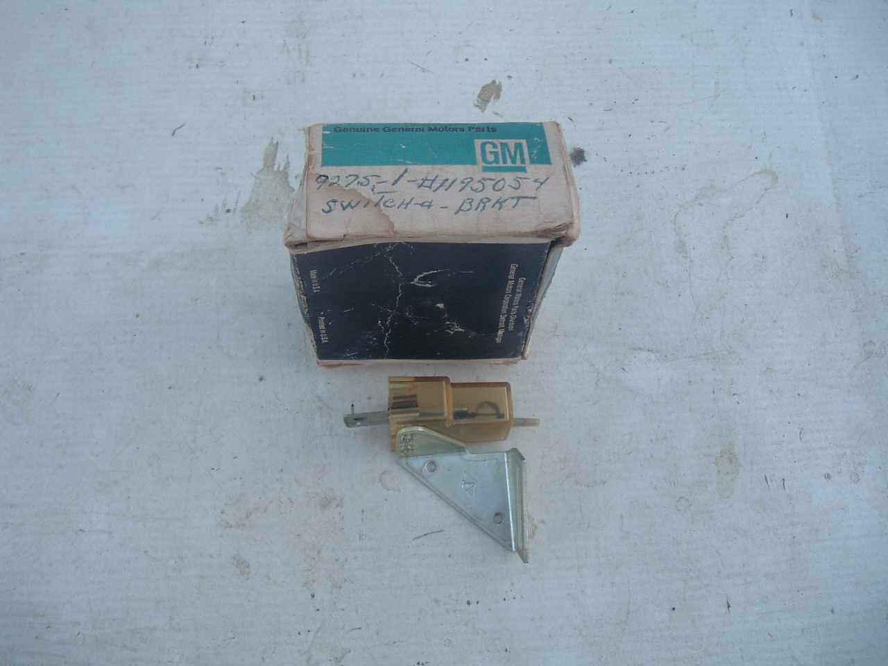 1959 buick master air conditioning switch nos gm 1195054 (z 1195054)