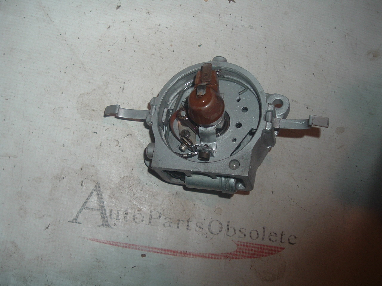 View Product1939 40 41 42 46 47 48 49 50 ford & tractor distributor 9N-12151 (za 9n12151)