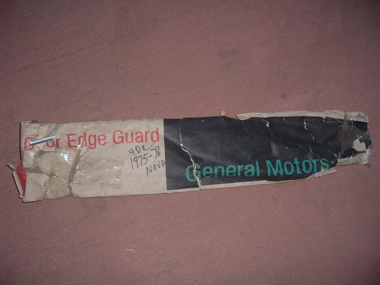 1975 76 77 78 nova chevy 11 NOS door edge guards nos gm 982012 (z 982012)