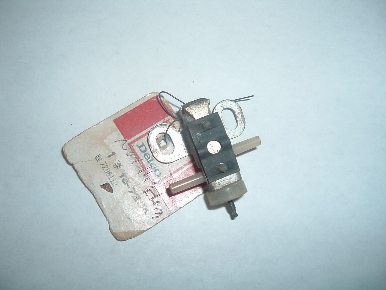 1961 62 64 65 buick air conditioning vacuum switch nos gm 7296112 (z 7296112)