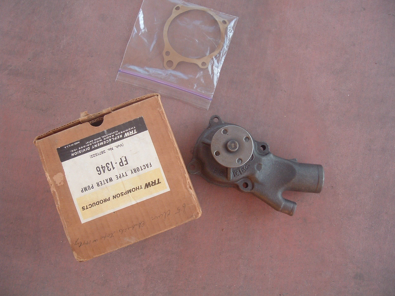 View Product1964 65 66 67 chevelle malibu tempest studebaker 6cyl new water pump 3871522 (z 3871522)