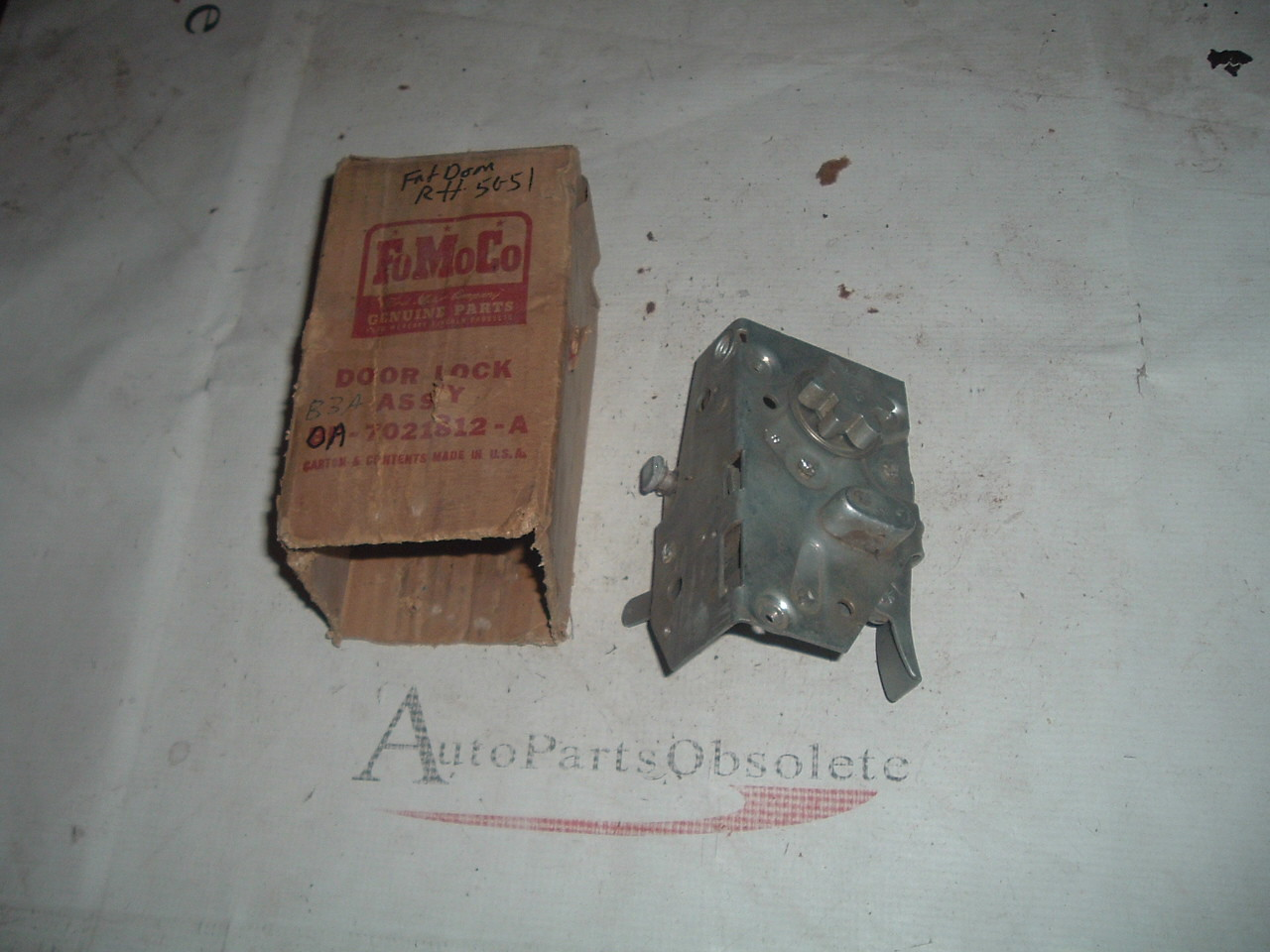 1950 51 ford door lock / latch nos ford # 0A-7021812-A (z 0a7021812a)