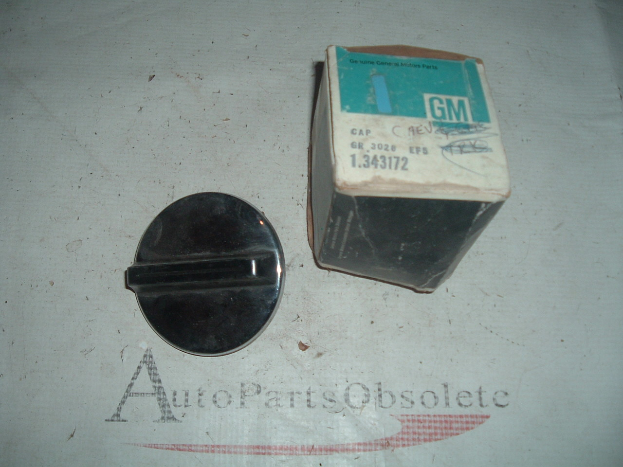 1973 74 75 chevrolet /gmc truck gas cap # 343172 (z 343172)