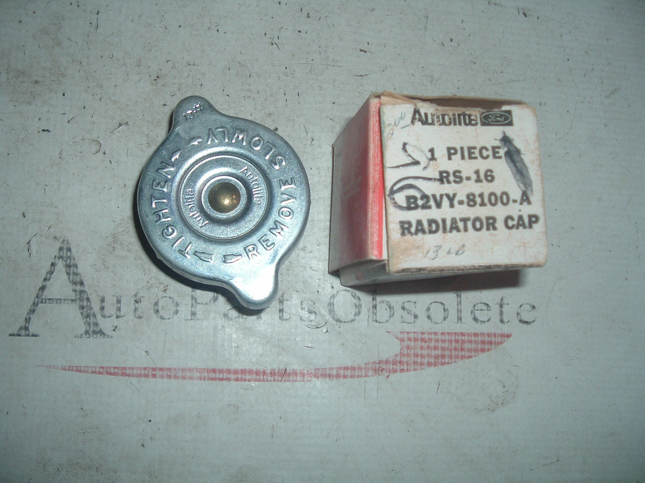 1952 54 56 58 60 63 64 66 68 70 ford mustang, troino, fairlane radiator cap nos ford # B2VY-8100-A (1) (z b2vy8100a)