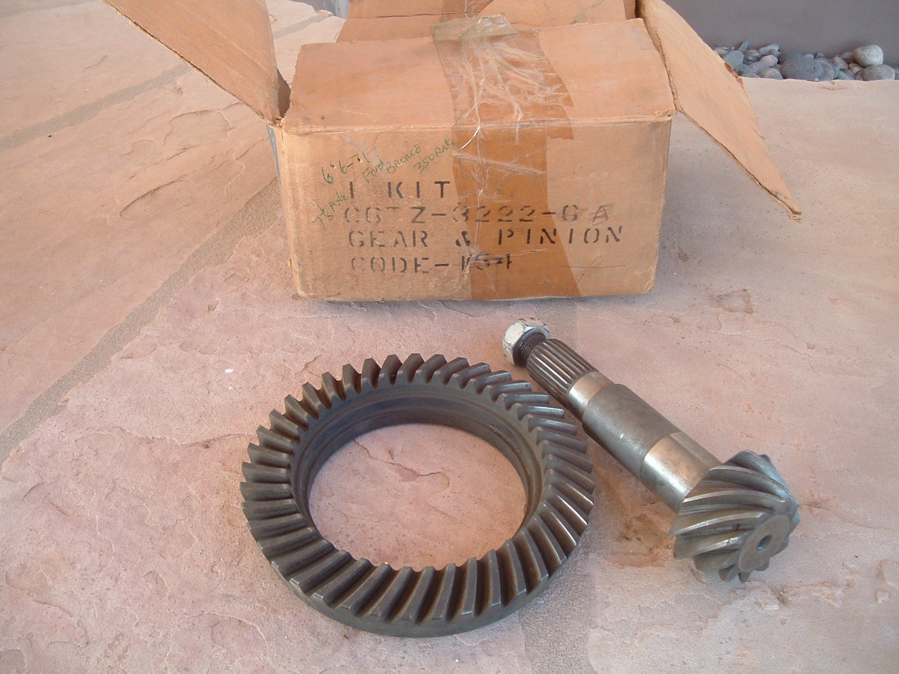 1966 67 68 69 70 71 ford bronco ring & pinion gear set nos ford # C6TZ-4209-G (z c6tz4309g)