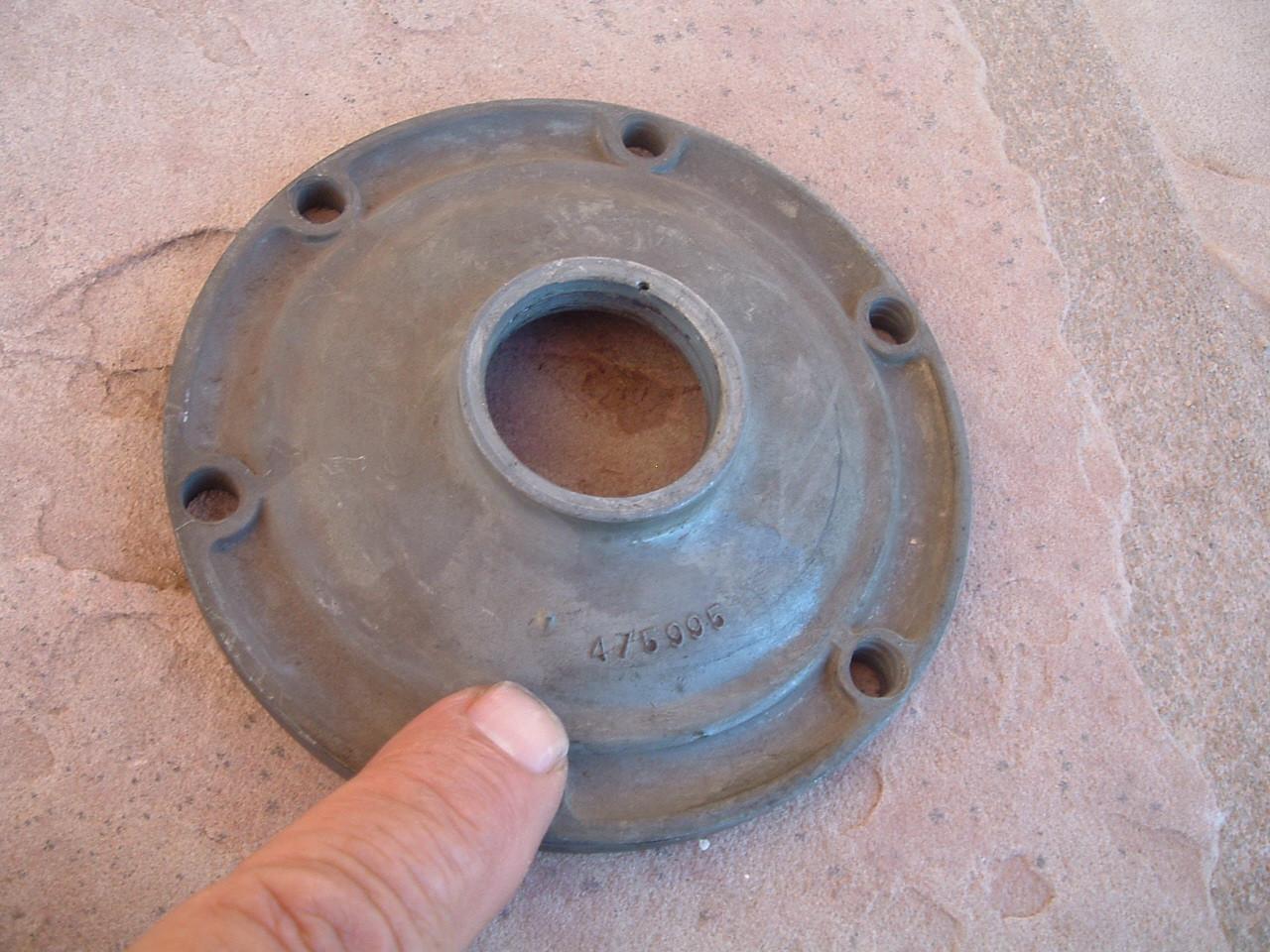 1935 1936 chevrolet transmission input shaft retainer nos gm 475995 (z 475995)