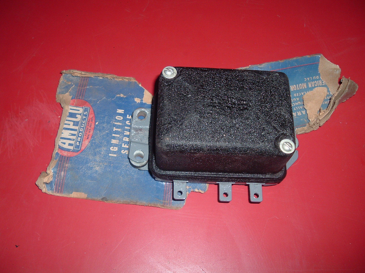 View Product1940 thru 1954 nash Cadillac packard rambler gmc truck rebuilt delco voltage regulator # 1118302 (z 1118302