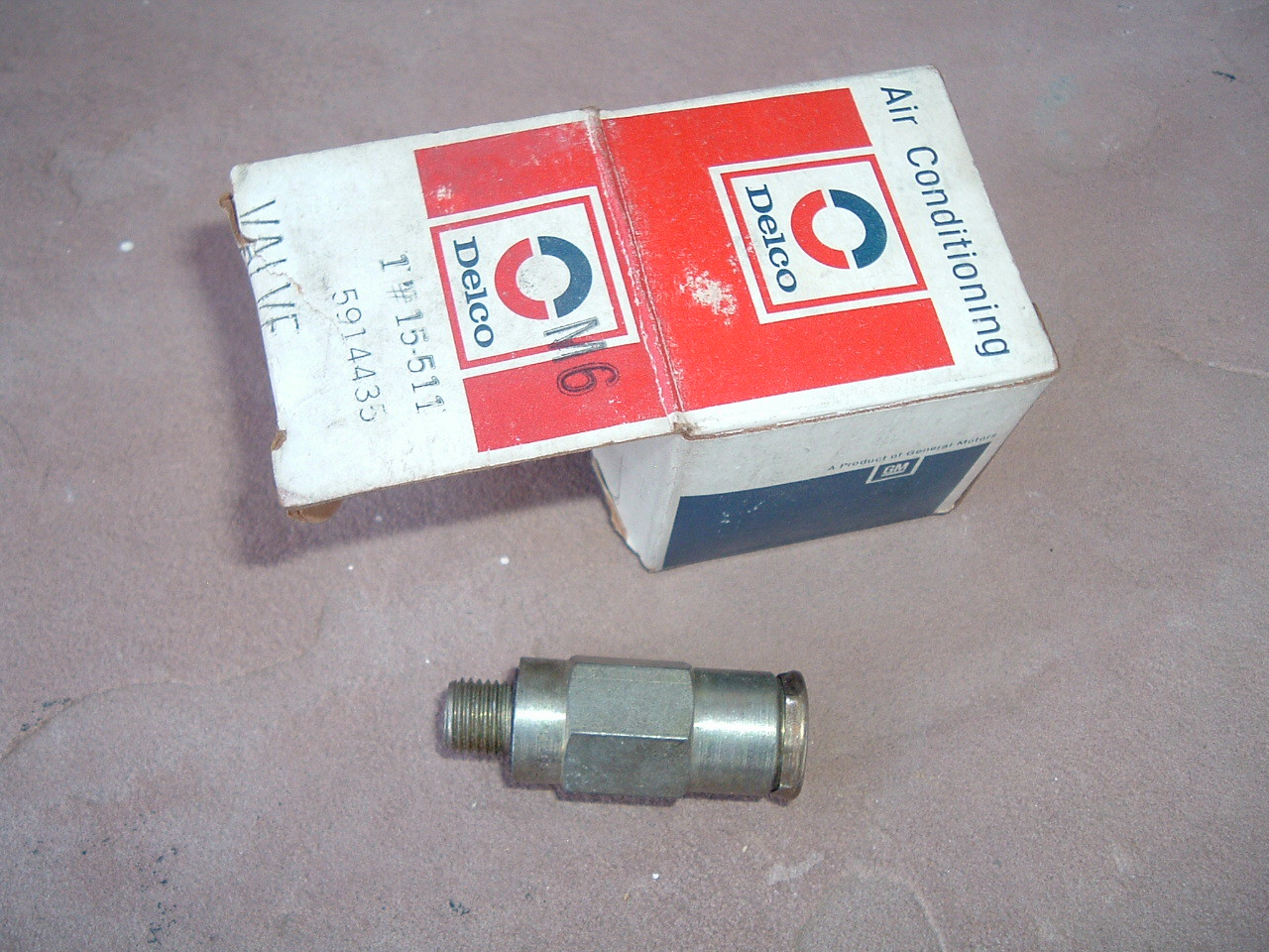 1963 65 67 69 71 73 75 chevrolet buick pontiac air conditioning pressure valve nos gm 5914435