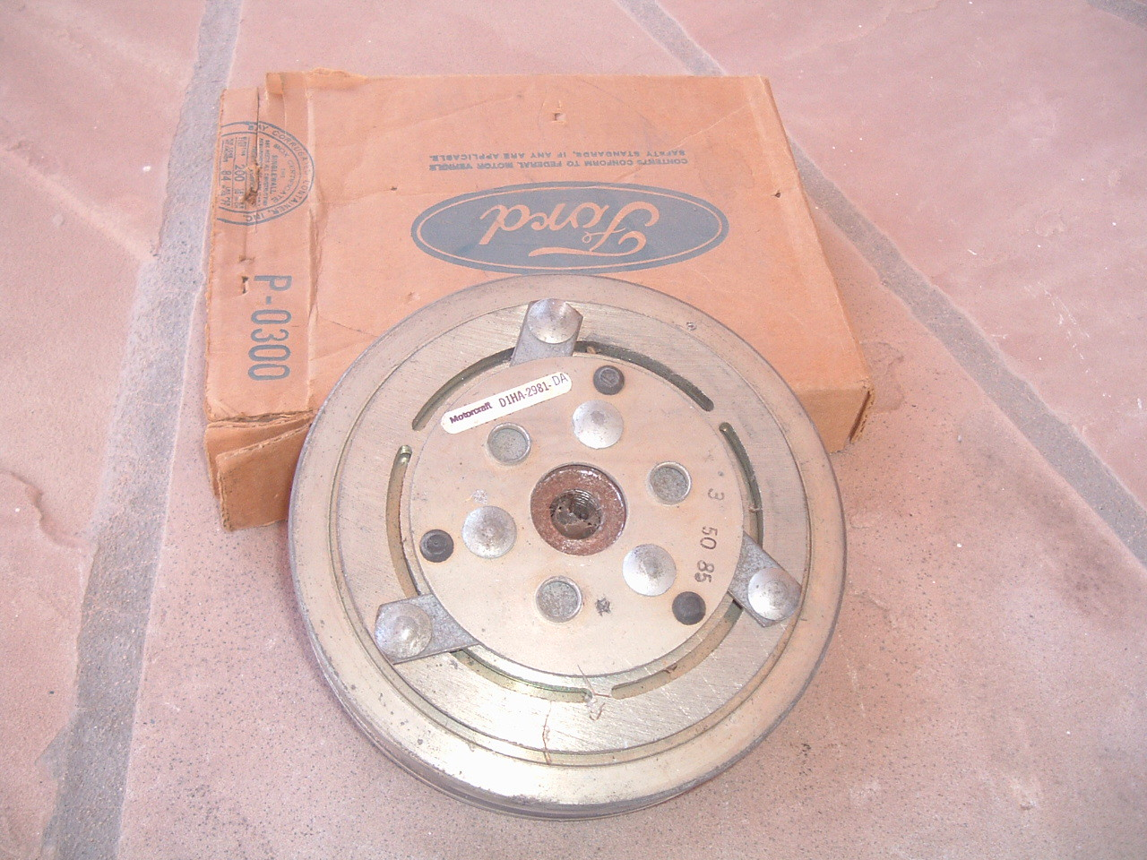 1969 70 71 72 73 74 75 76 77 78 ford airconditioning compress clutch pulley nos ford D1HA-2981-DA (z d1ha2981da)