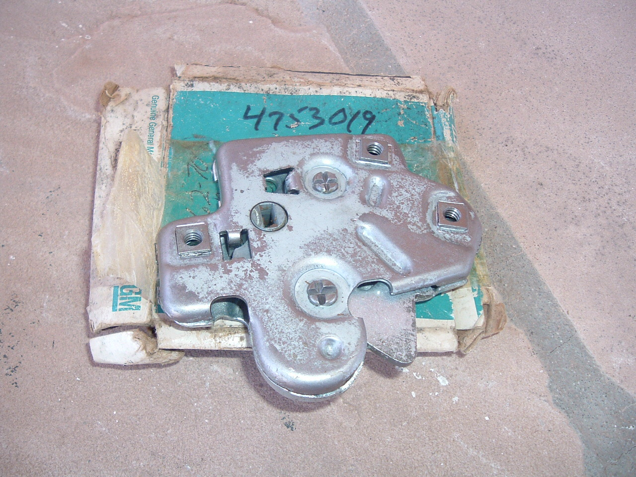 1959 61 63 65 67 69 70 corvette camaro trunk lock nos gm # 4753019 (z 4753019)