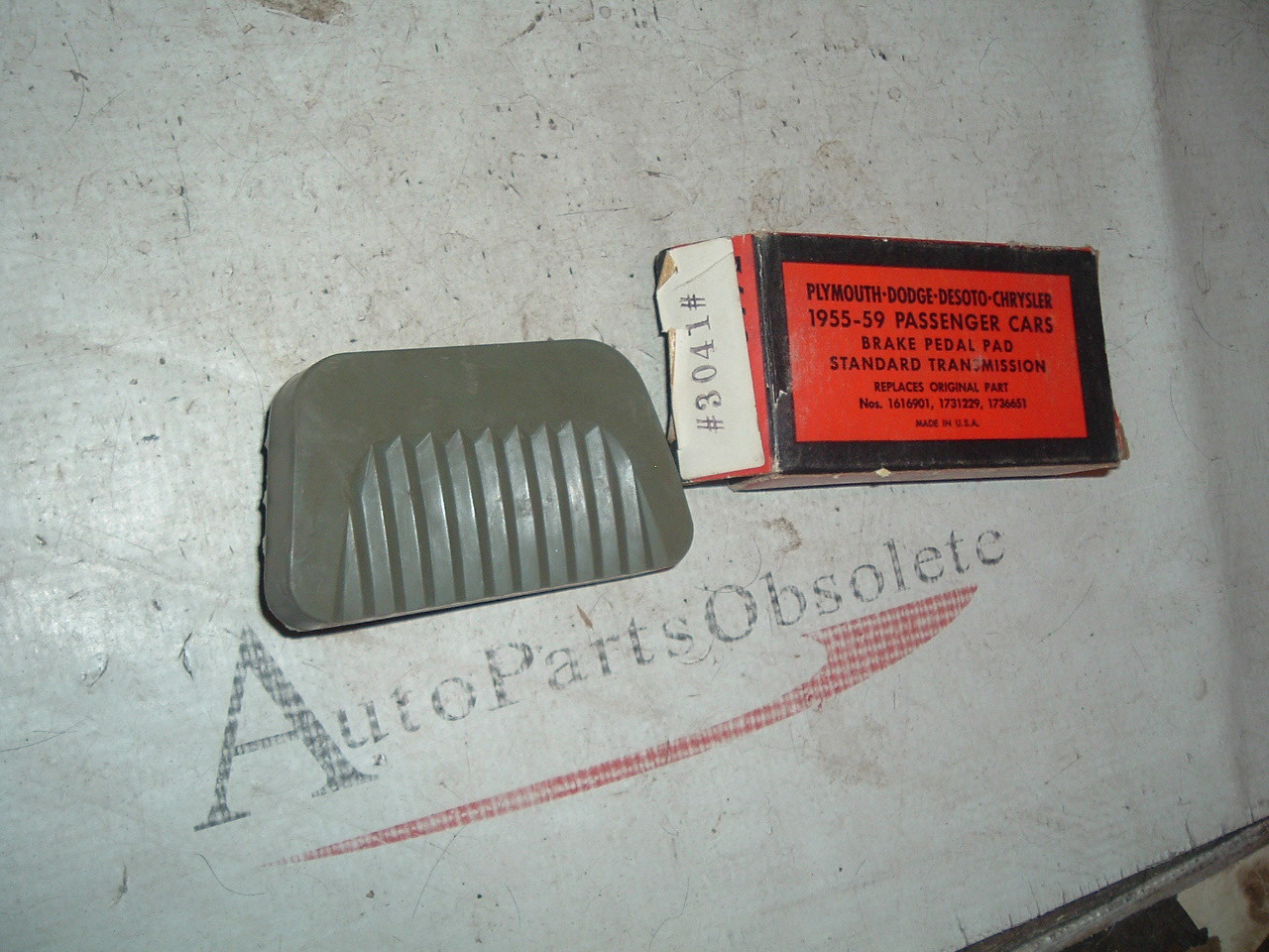 View Product1955 56 57 58 59 Dodge Plymouth Chrysler new brake pedal pad 1616901 (z 1616901)