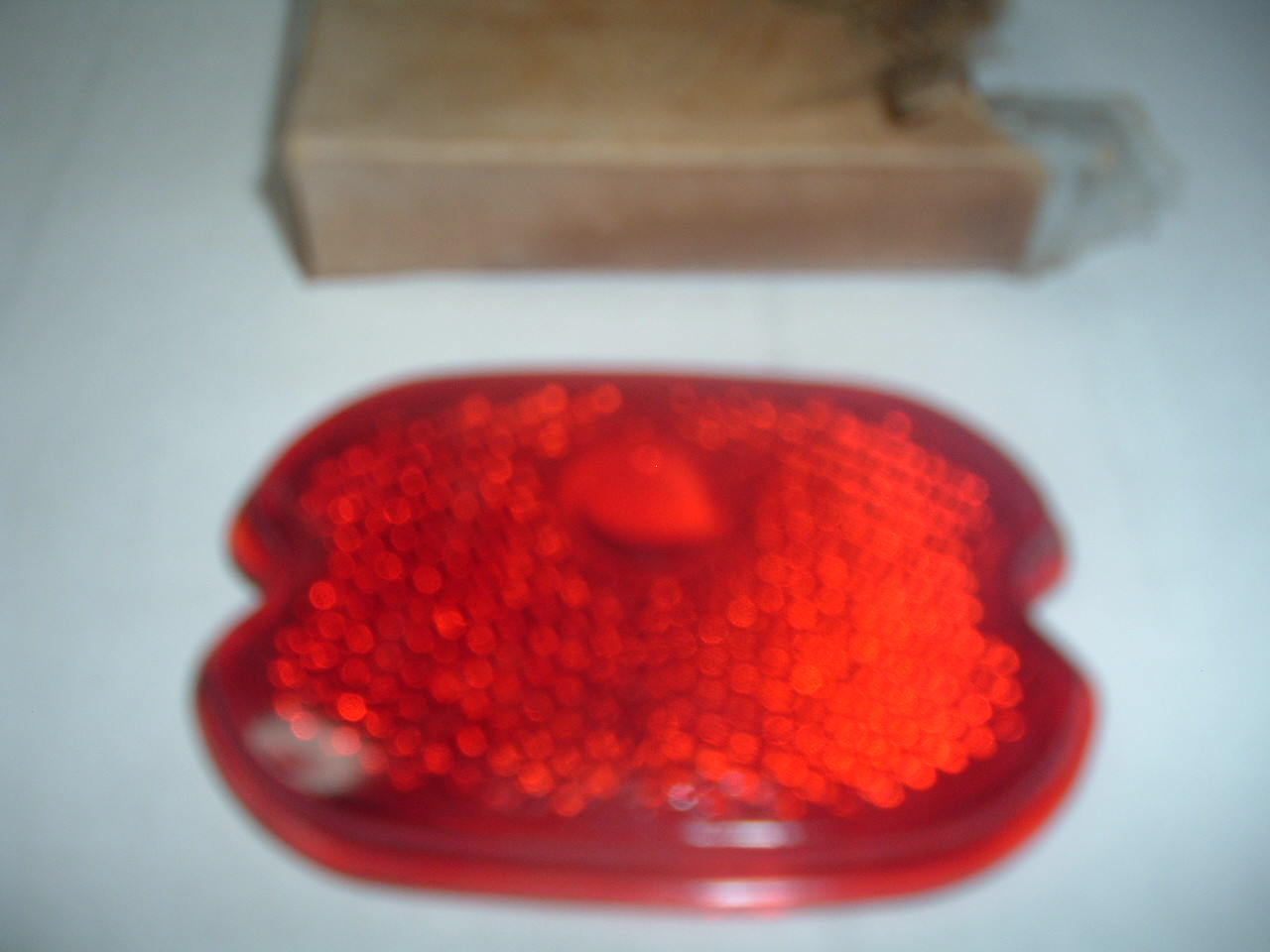 1947 48 49 50 51 52 53 54 55 56 57 chevrolet suburban truck taillight lens new glass 5936906 (z 5936906)