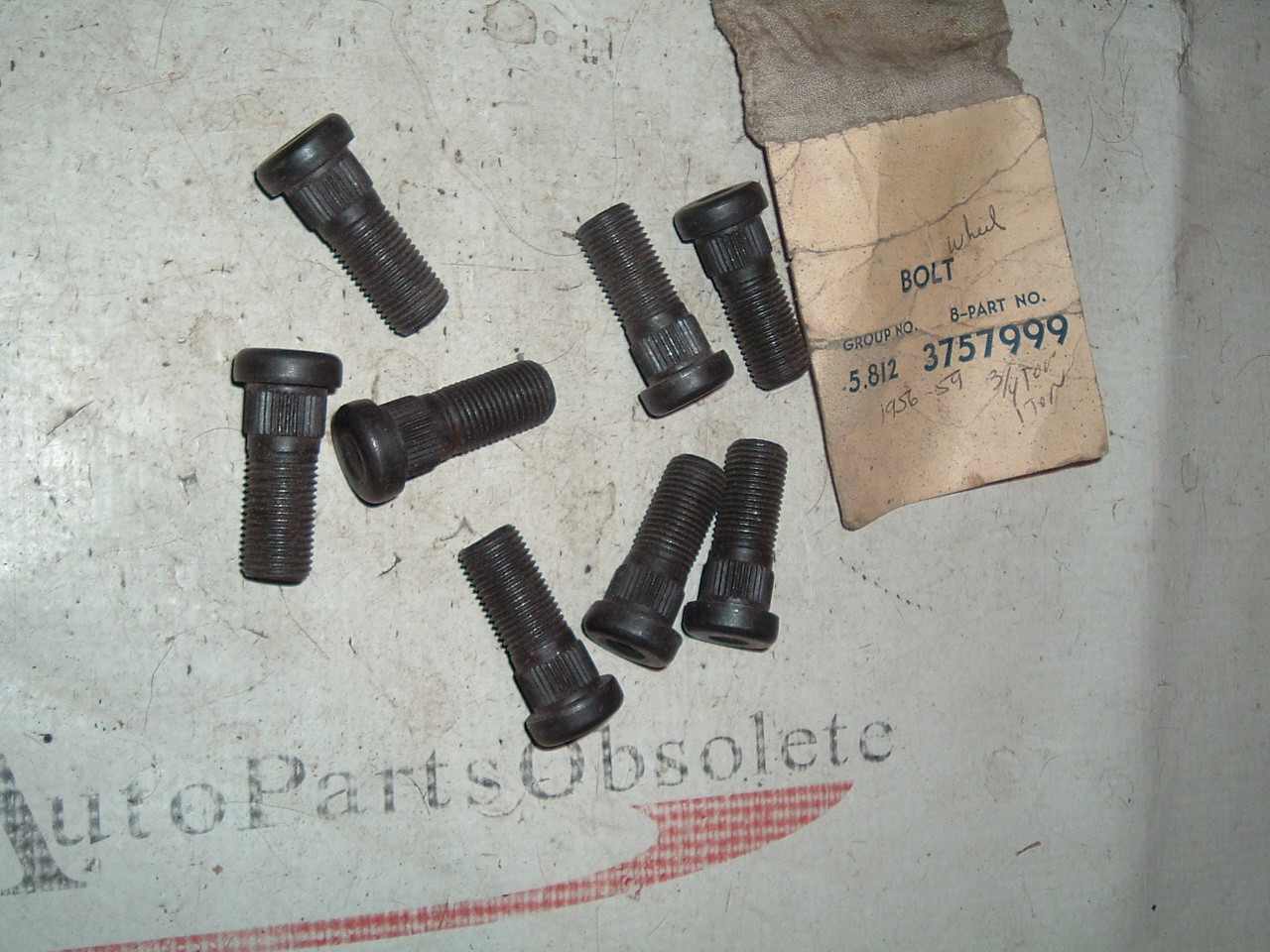 1960 1961 1962 1963 chevrolet truck wheel bolts nos gm # 3757999 (z 3757999)