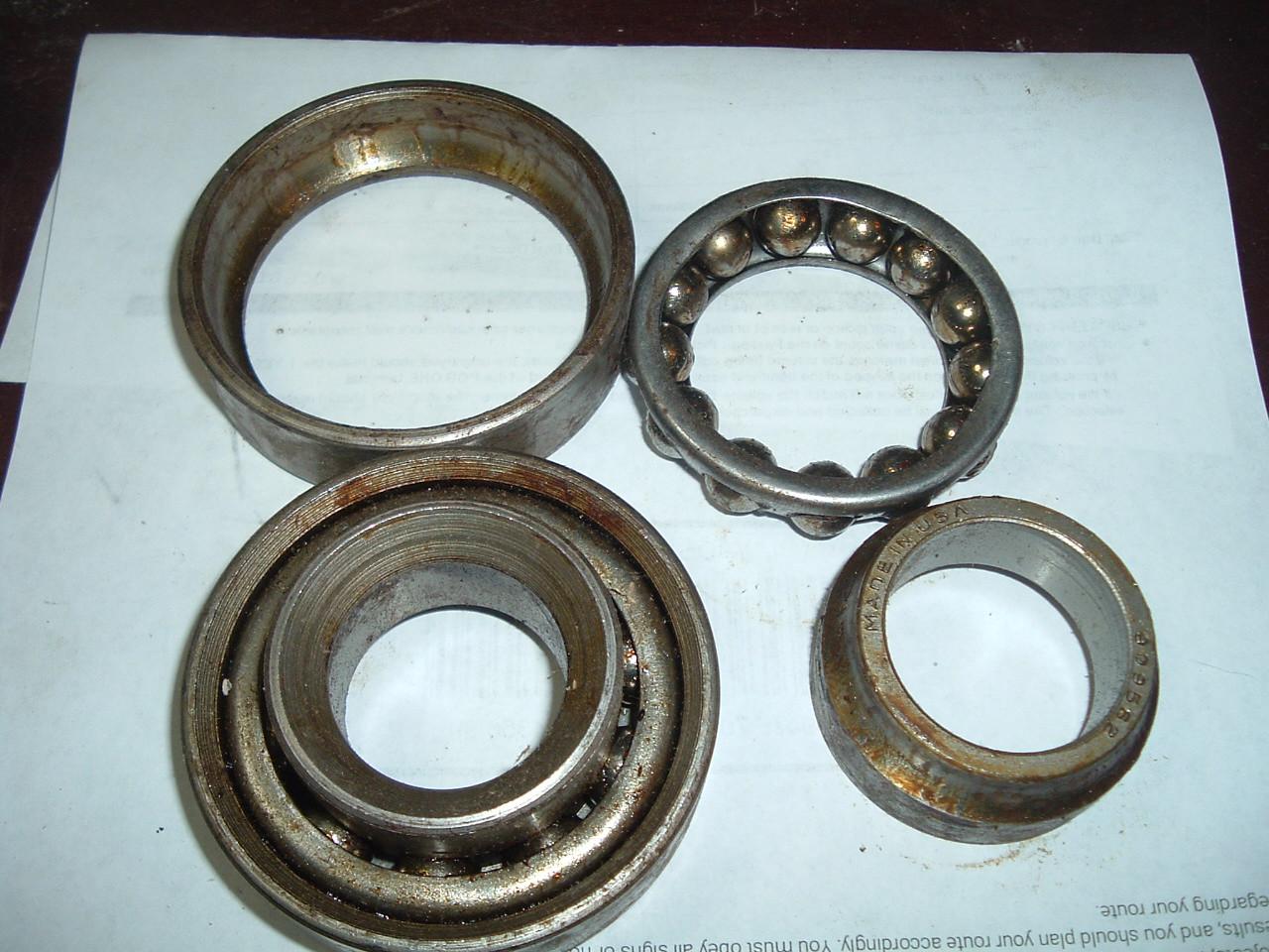 1941 -56 Buick Cadillac Pontiac wheel bearing pair nos gm 909662/562 (z 909662/562)