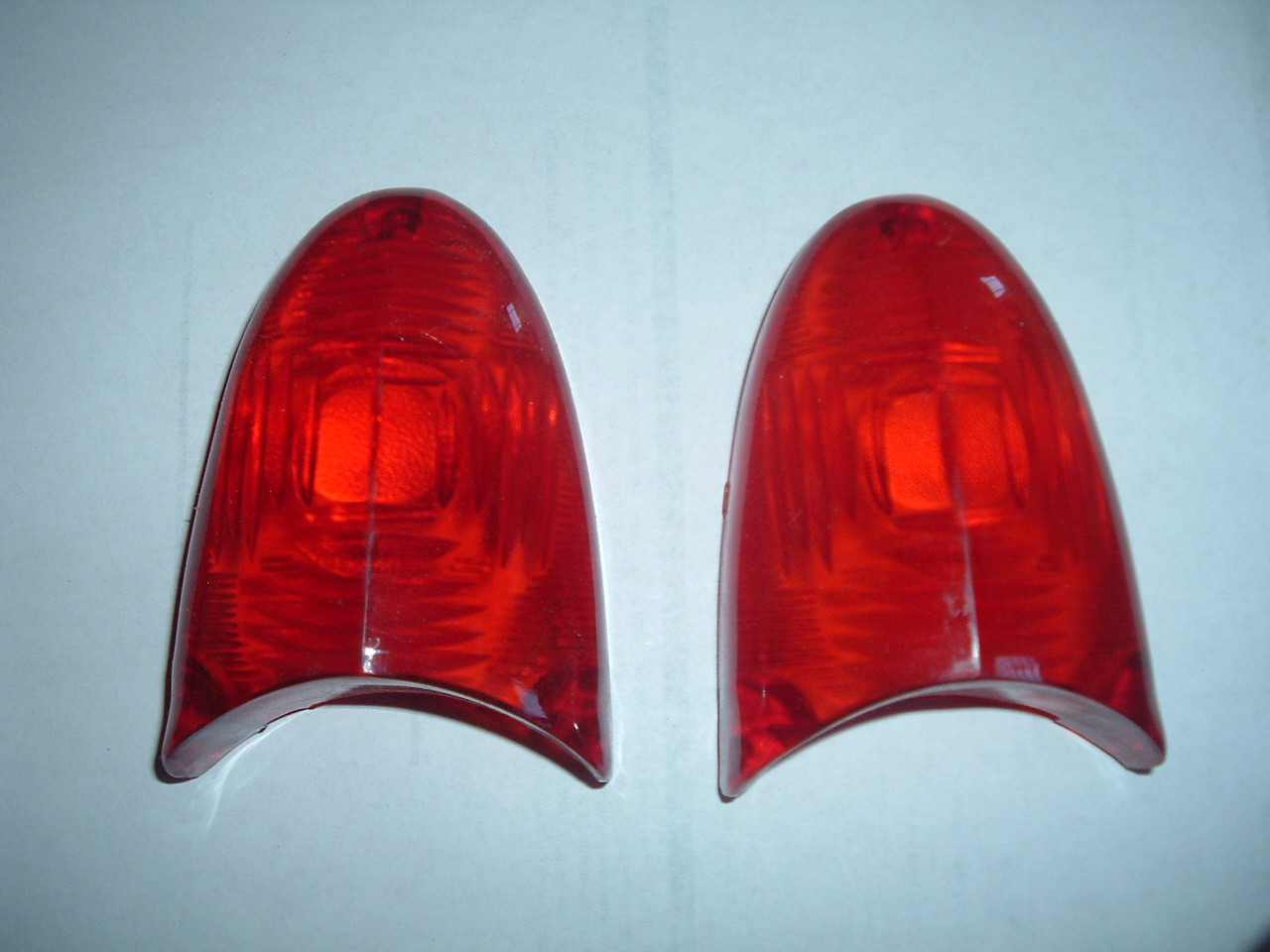 1954 plymouth taillight lens # 1546438 (z 1546438)