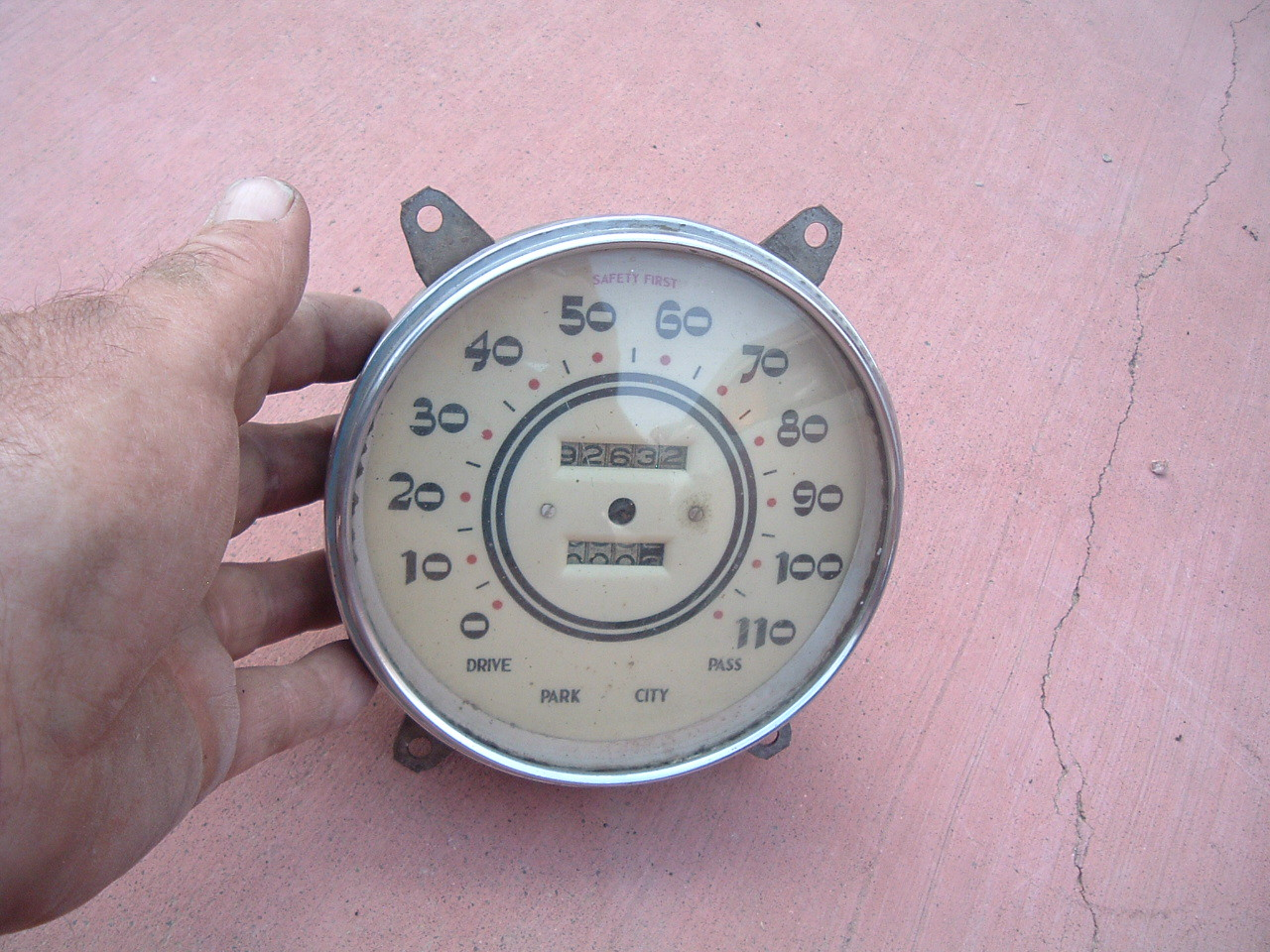View Product1933 34 cadillac la salle speedometer original used (z 33 cadillac )