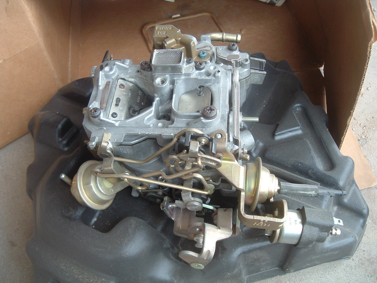 Search Results 1980 Ford Bronco Carburetor View Product1979 Chevrolet Rochester 2 Barrel 28 Engine New Gm 17059768 Z