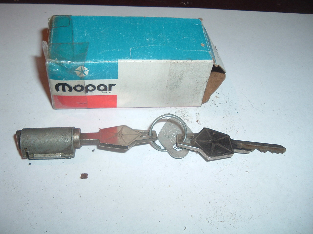 1948 50 52 54 56 58 60 62 64 66 68 dodge plymouth chrysler ignition switch w/keys nos mopar 2510472 (z 2510472)