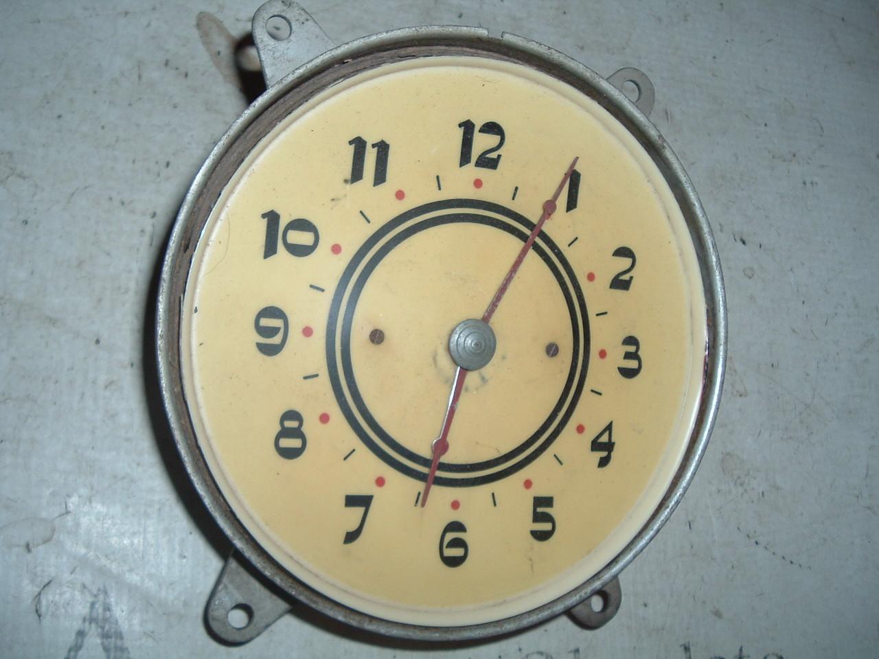 1937 cadillac dash clock electric used (z 37cadclock)