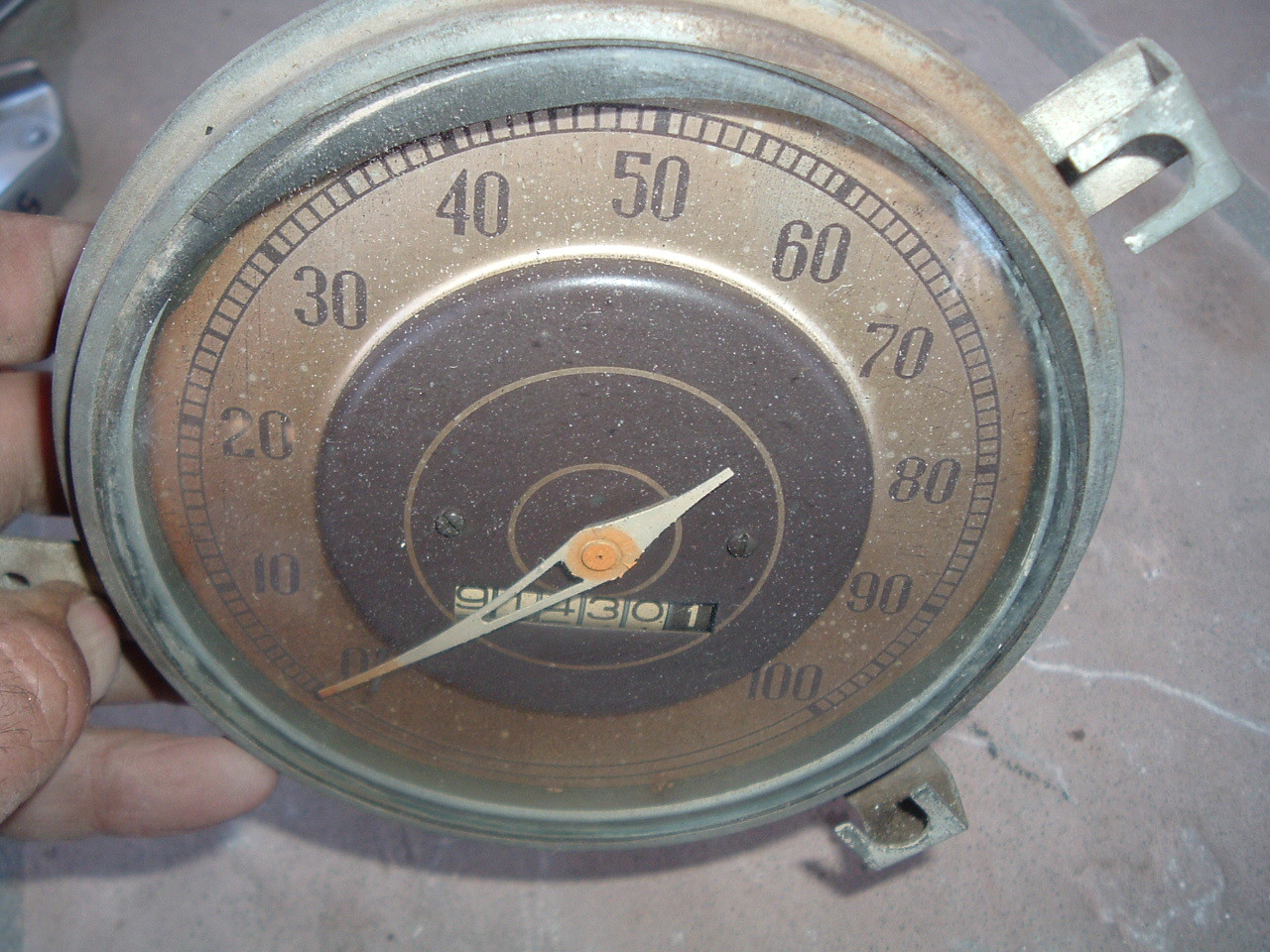 1938 plymouth speedometer assembly original (z 38plyspeedo)