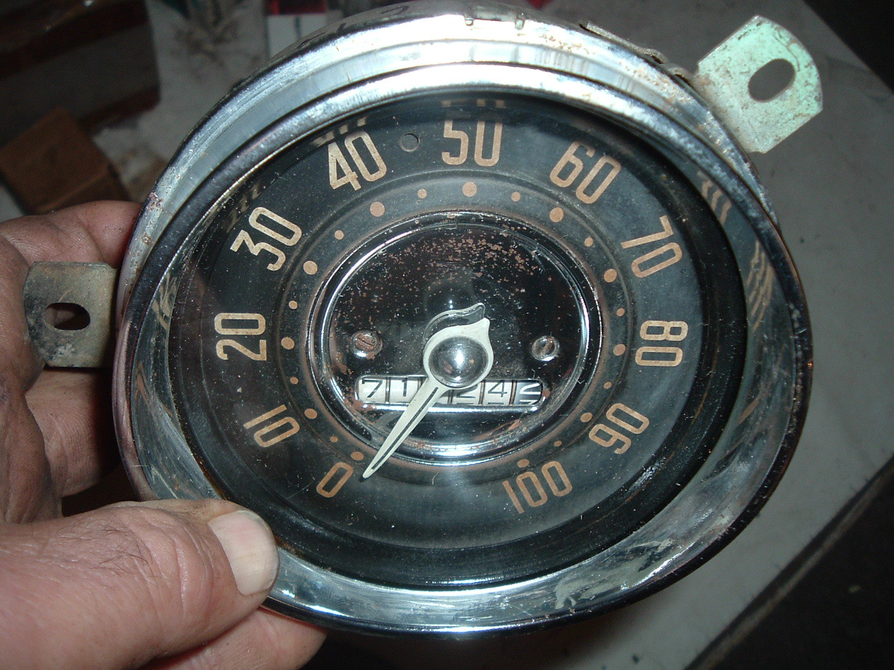 View Product1951 52 chevrolet speedometer dash cluster original (z 51-2chevgauge)
