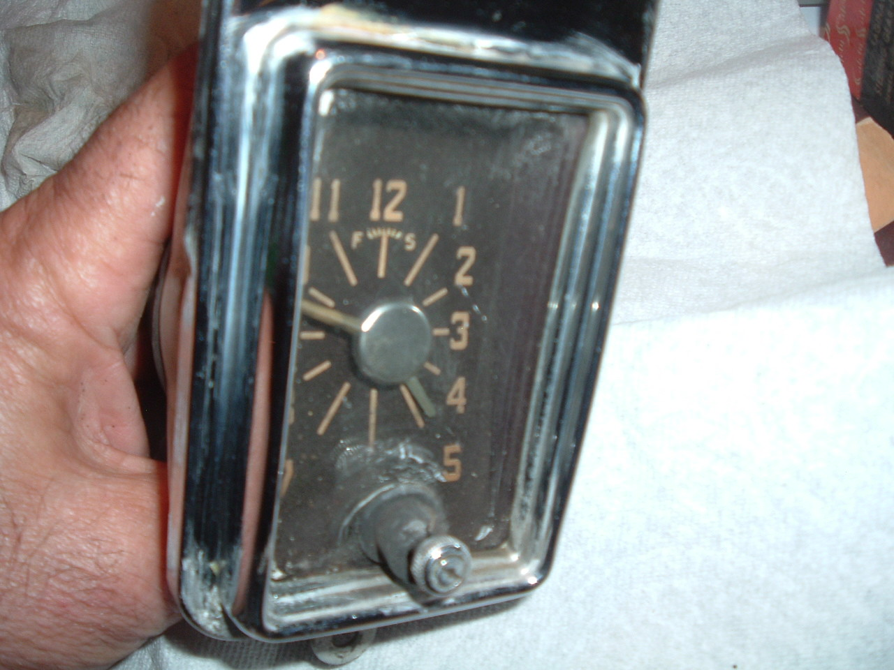 1946 1947 1948 chrysler dash clock electric used (z 46-8 chrysler clock )