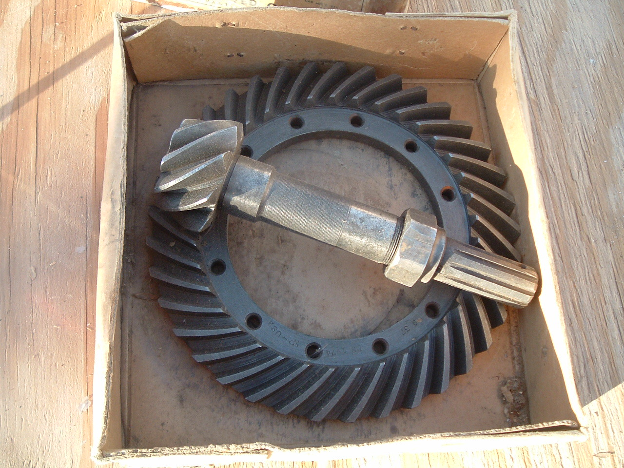 1933 chevrolet ring /pinion gear set nos gm # 364353 (z 364353)