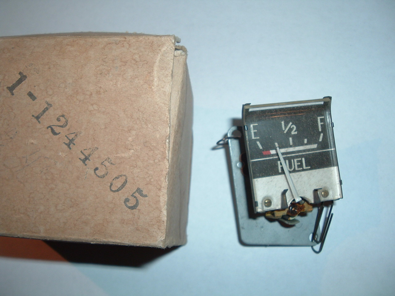 View Product1948 dodge fuel gas gauge dash unit nos mopar # 1244505 (z 1244505)