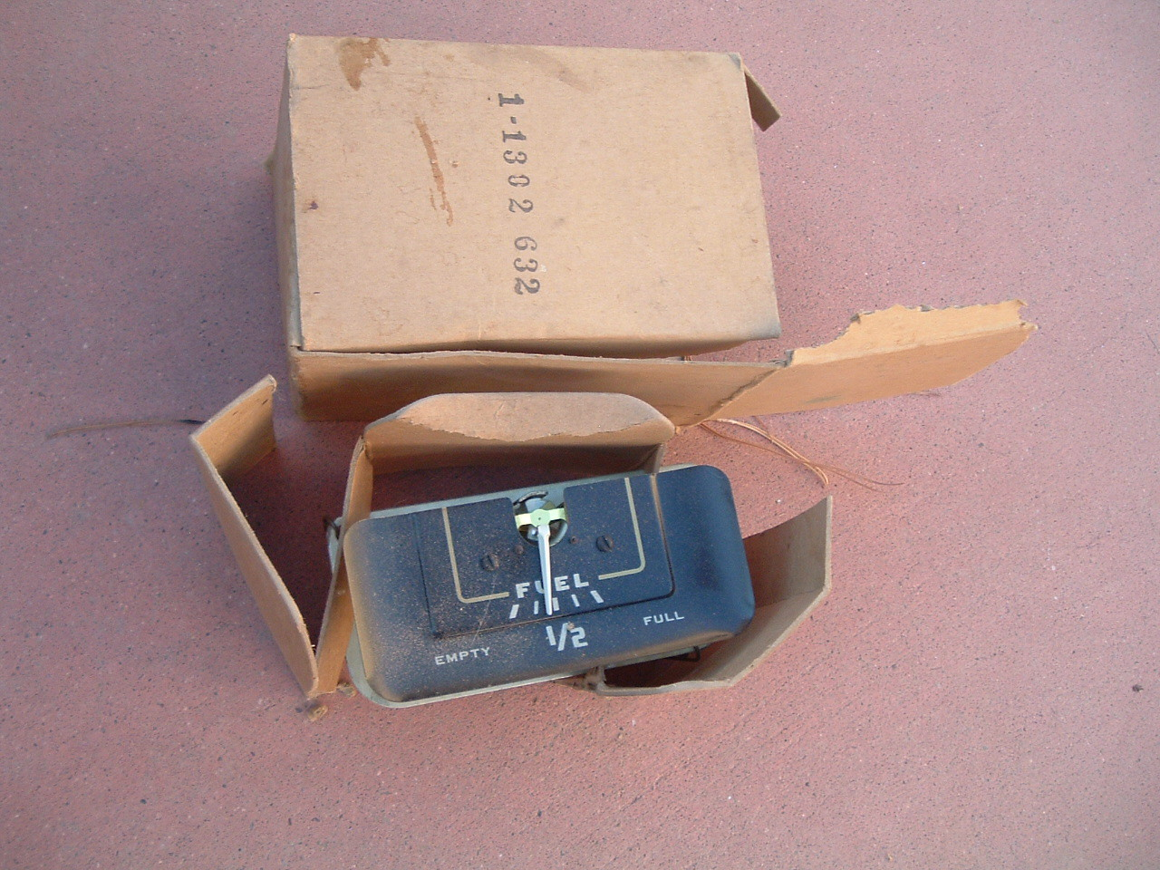 1949 dodge fuel gas gauge dash unit nos mopar # 1302632 (z 1302632)