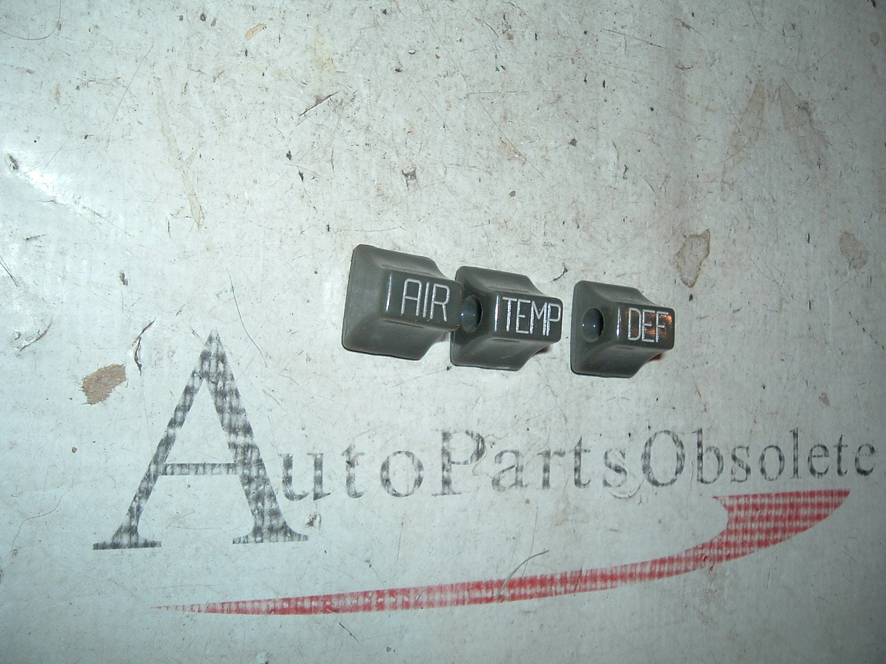 View Product1951 52 chevrolet heater control knobs nos gm 3 count (z 3127020)
